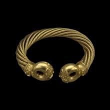 The Snettisham Great Torc 8 separate ropes of gold twisted to form a necklace