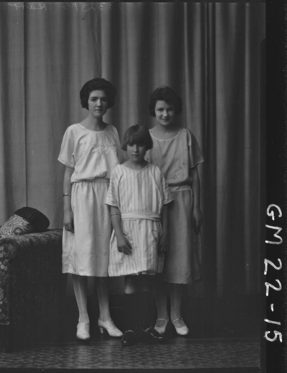 portrait of two young women and young girl F/L, Hart