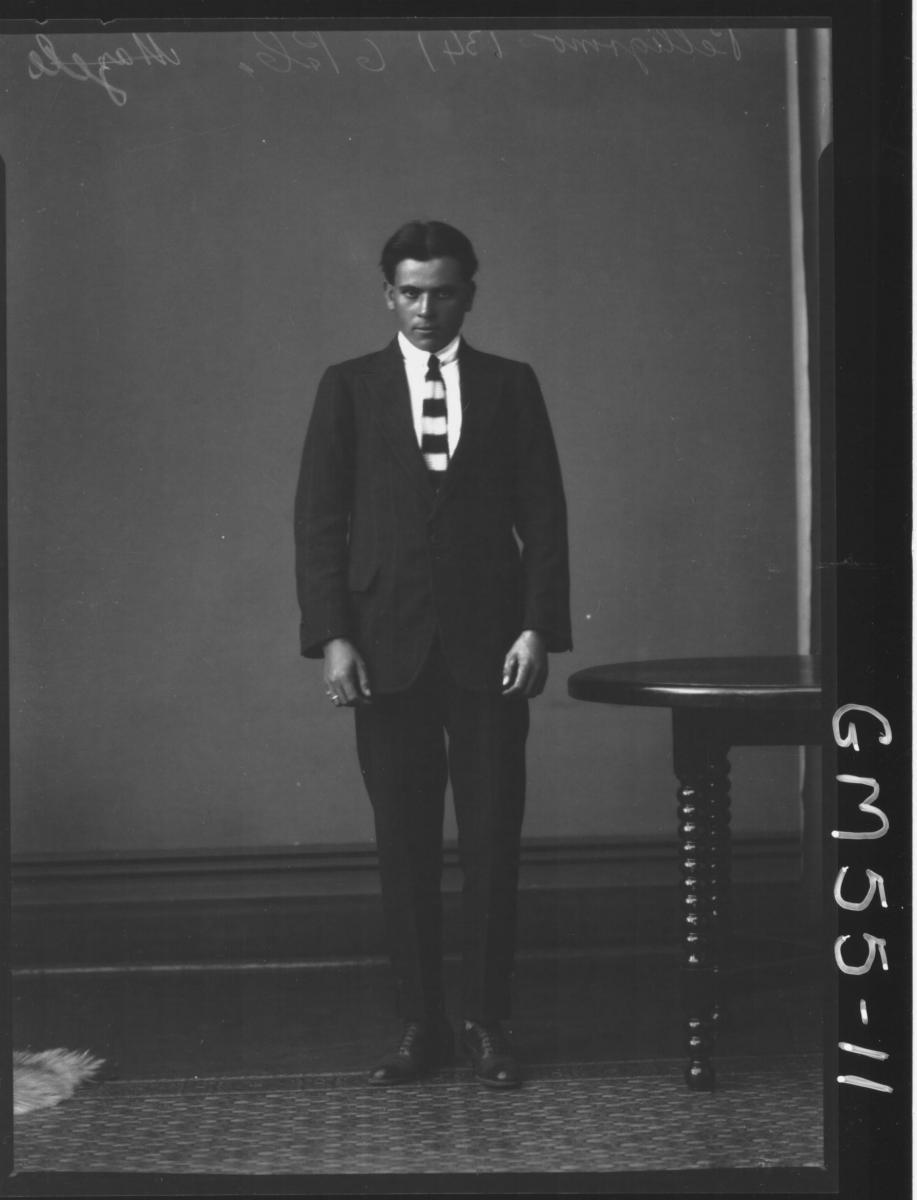 PORTRAIT OF YOUNG MAN, H/S PELLEGRINO