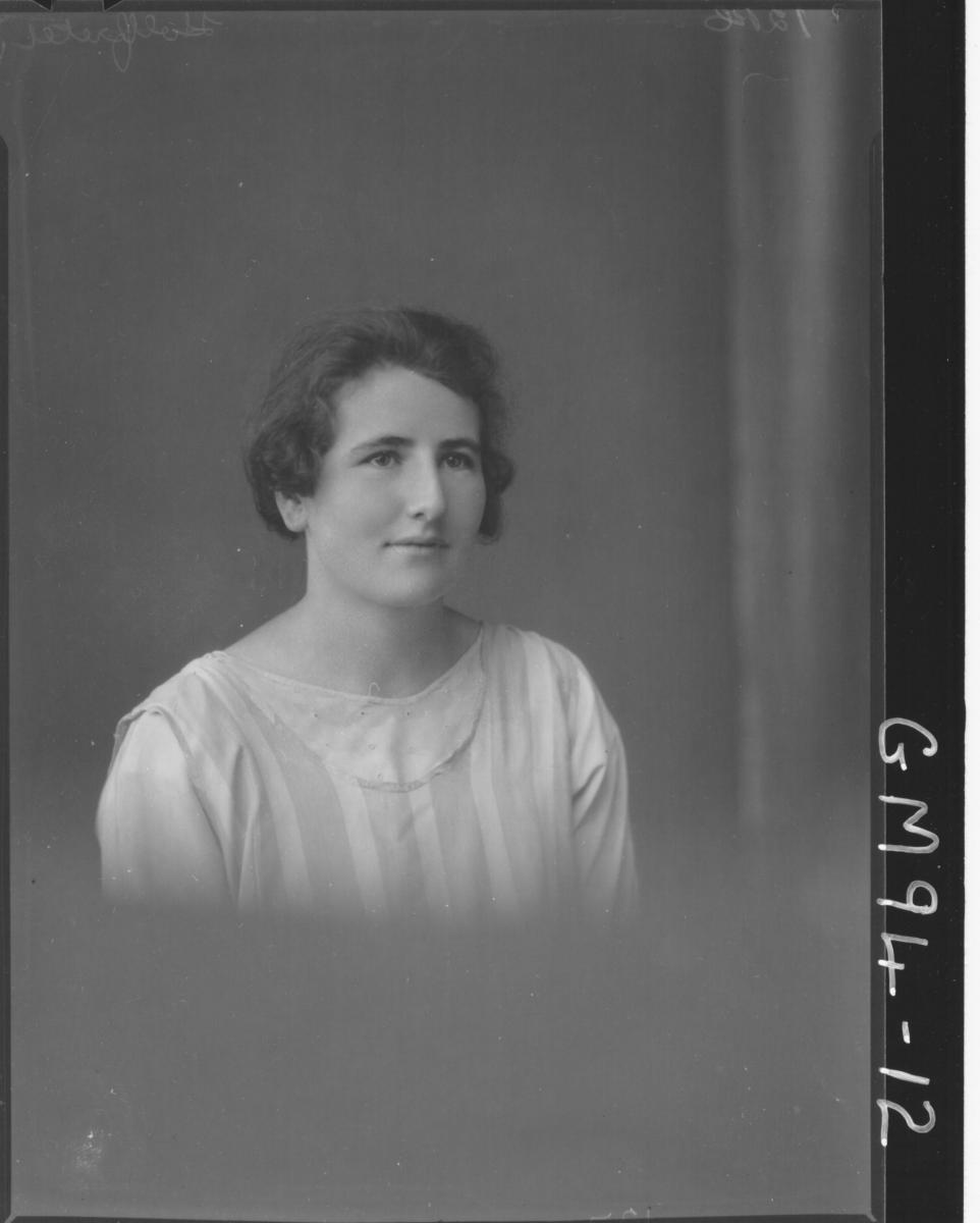 PORTRAIT OF WOMAN, 'HOLFRETE'