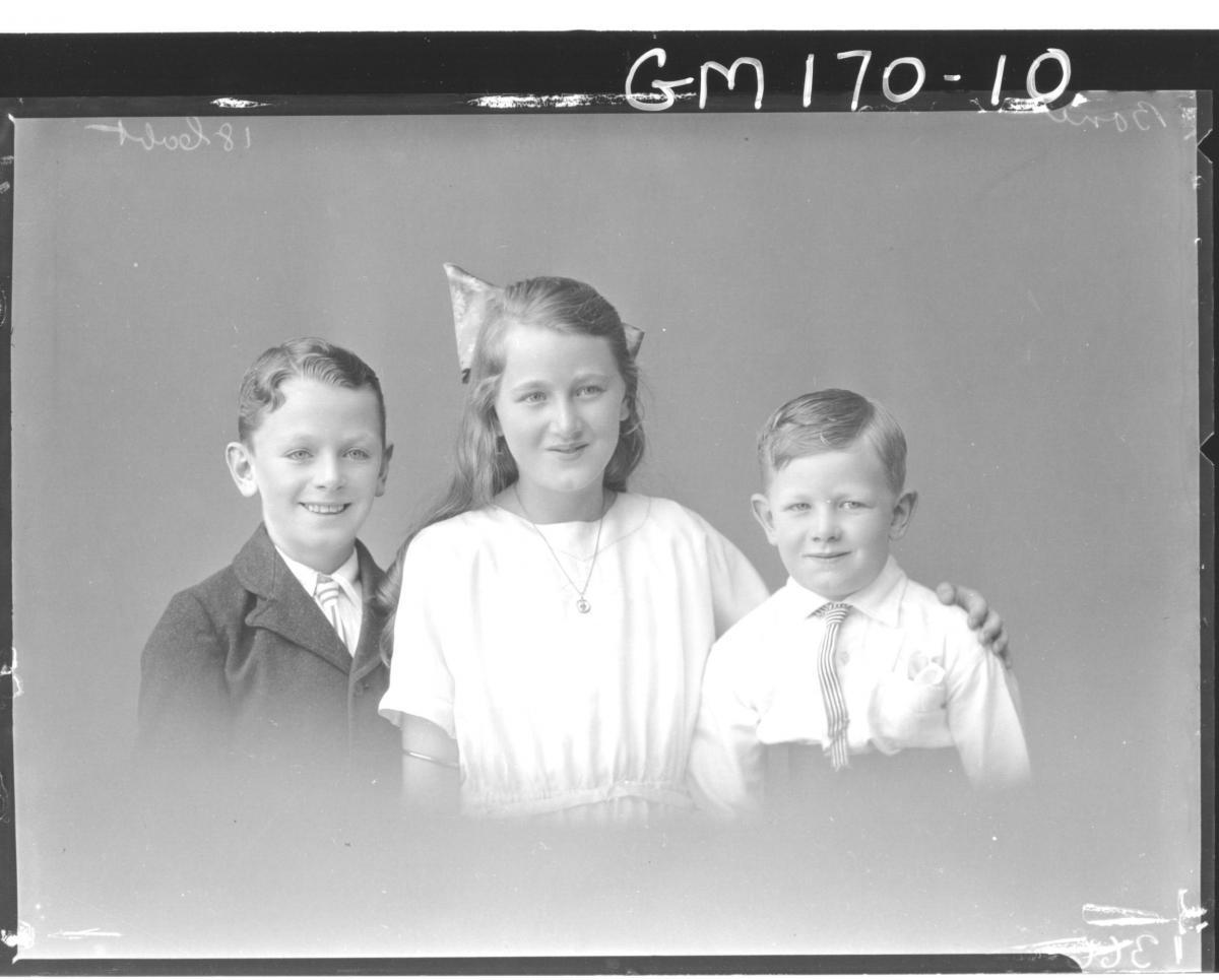 Portrait of three children 'Bone'