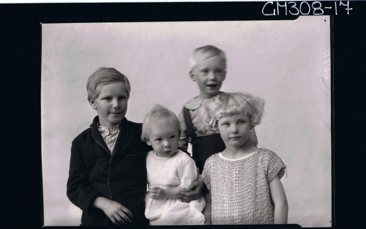 1/2 Group Portrait of four children two boys, two girls; 'Sarich'
