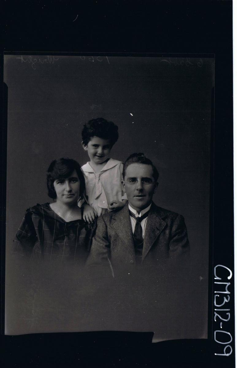 H/S Portrait of man wearing jacket,shirt,tie,spectacles, woman in day dress, boy child in shirt,large collar,tie'Wright'