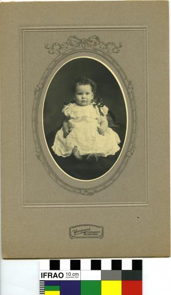 PHOTOGRAPH, infant