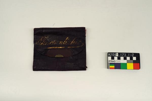 HANDKERCHIEF SACHET, leather, silk lining, 'Taschentücher'