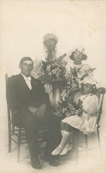 PHOTOGRAPH, B&W, Wedding portrait of (L-R) Groom- Matthew Harwood, Bride- Gladys Harwood, 2 x bridesmaid nieces. Perth