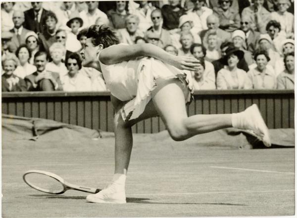 PHOTOGRAPH, b&w, tennis, Margaret Court