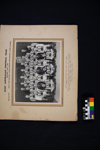 PHOTOGRAPH, football, b&w, mounted, WA, 1935