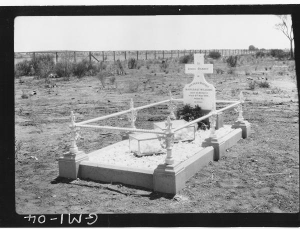 Headstone and grave of Margaret Williams, died 8th May 1924,'Williams'. Kalgoorlie Cemetery.