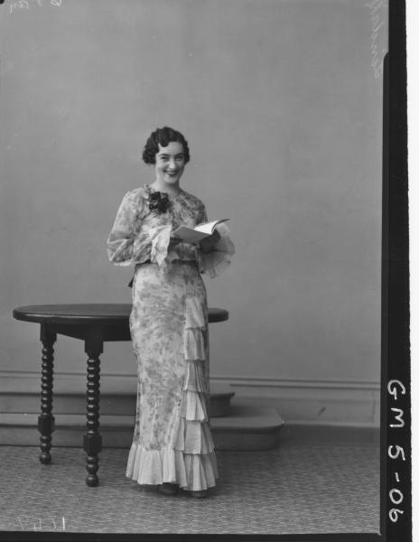 Portrait of woman in evening dress, F/L Lindahl/Lindall?