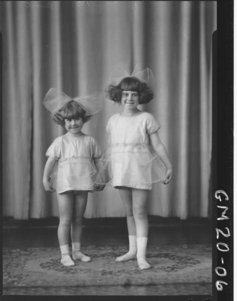 portrait of two small girls F/L, Hunt
