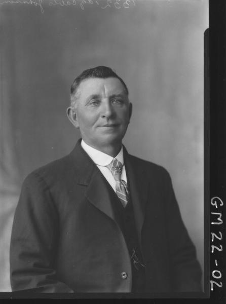 portrait of man H/S, Johnson