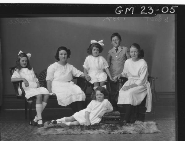 portrait of young family, five girls and one boy F/L        Lesley