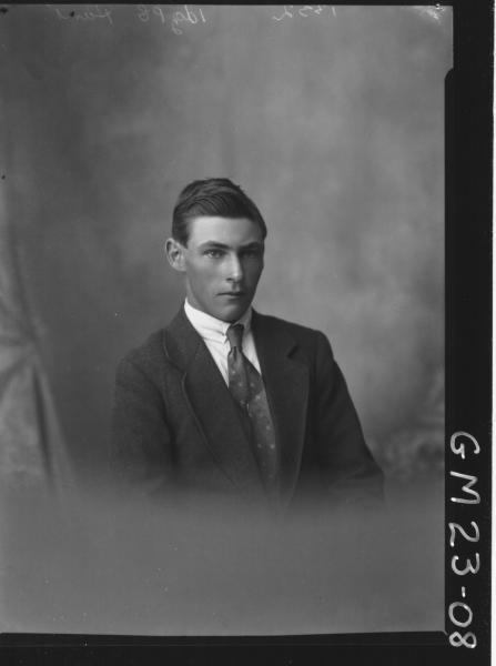 portrait of young man H/S, Hunt