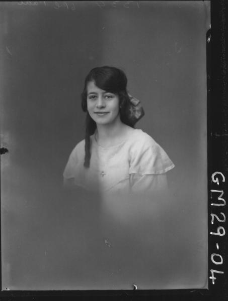 portrait of young woman, H/S Paul