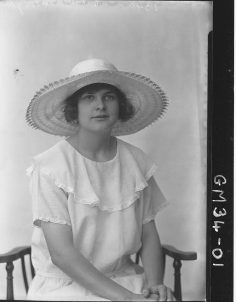 portrait of young woman, H/S Le Boydre