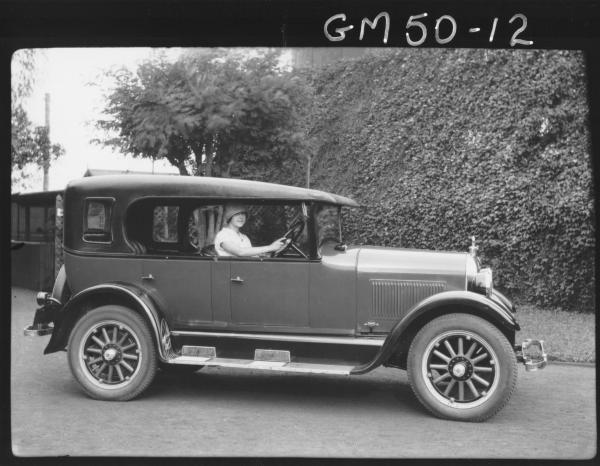 Misss Goldfields 1926 sitting in car, Churack
