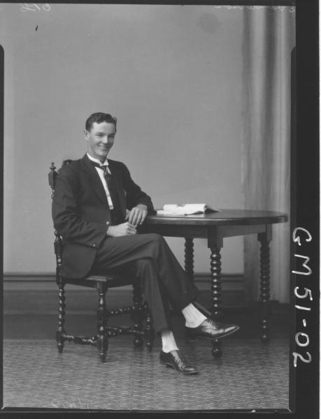 portrait of man, F/L Henderson