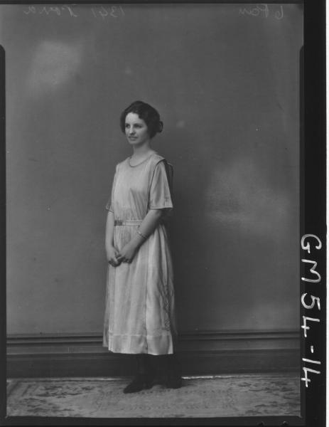 PORTRAIT OF YOUNG WOMAN, F/L PORRA