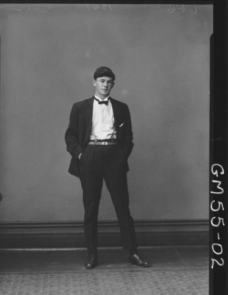 PORTRAIT OF YOUNG MAN, F/L NINER