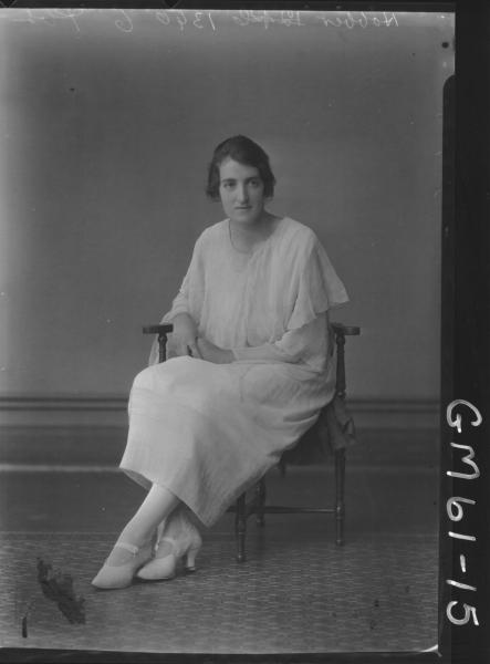 Portrait of woman F/L, Hobber