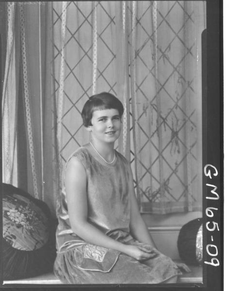 Portrait of woman H/S, Wilson