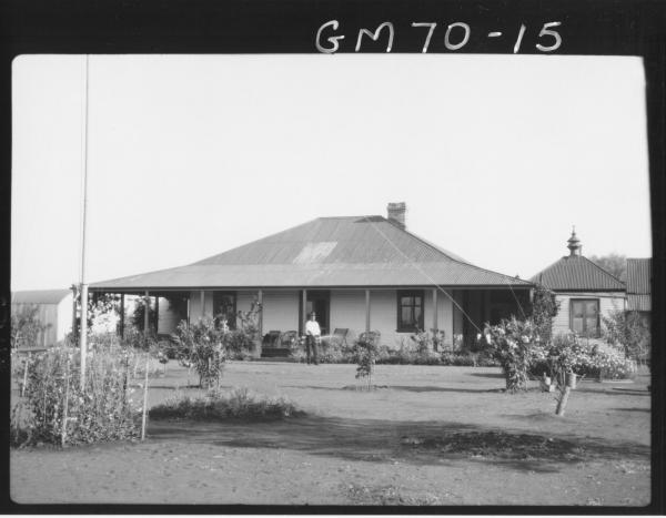HOUSE AND GARDEN, PINNACLES