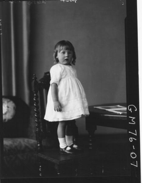 PORTRAIT OF CHILD, F/L, POST