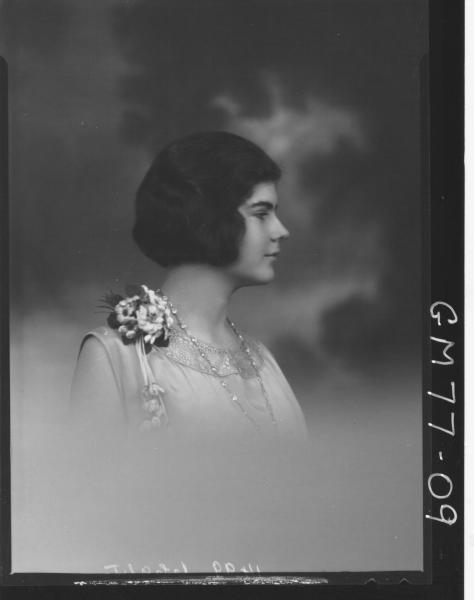PORTRAIT OF WOMAN, H/S, PASCOE