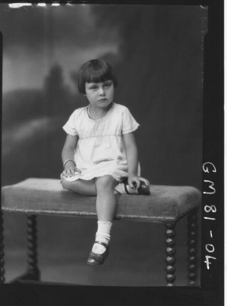 PORTRAIT OF CHILD, F/L, OATES