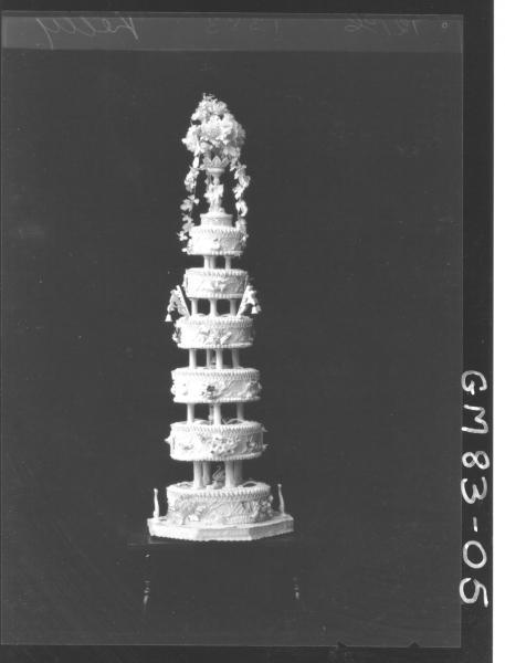 WEDDING CAKE. KELLY