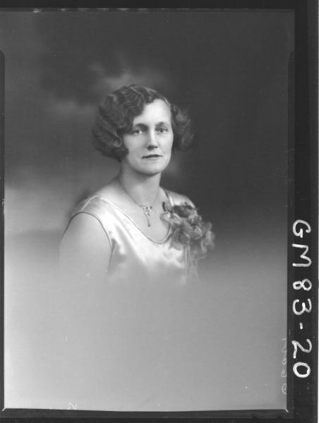 PORTRAIT OF WOMAN, H/S, BROWN