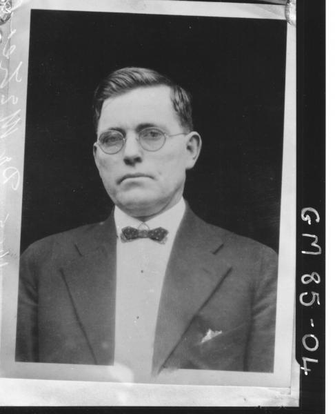 COPY OF PORTRAIT OF MAN, H/S, DR MCLEOD