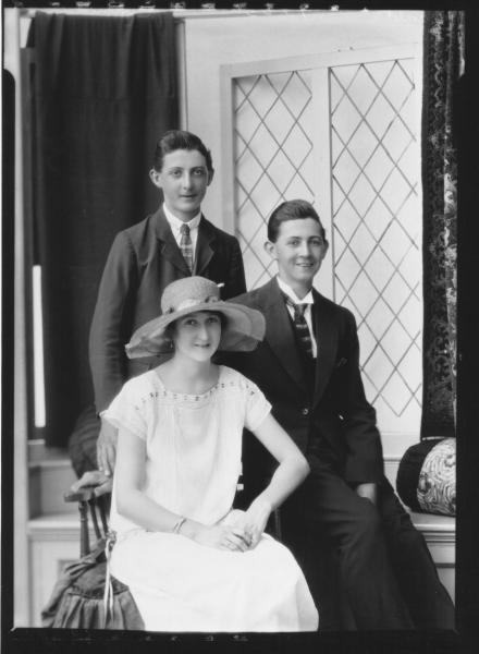 PORTRAIT OF WOMAN AND TWO MEN, D'ALMEDIA