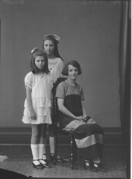 PORTRAIT OF WOMAN AND TWO CHILDREN, EVERETT