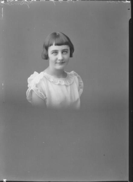 PORTRAIT OF GIRL, GASMIER