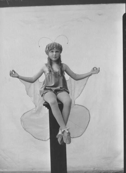 PORTRAIT OF CHILD FANCY DRESS, MORGAN