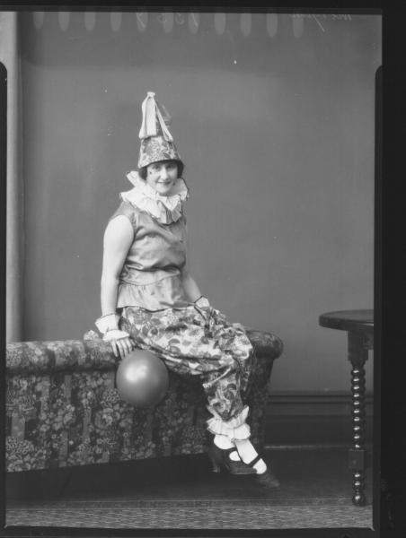 PORTRAIT OF WOMAN FANCY DRESS, MORGAN