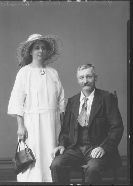 PORTRAIT OF MAN AND WOMAN, MOUNCTER
