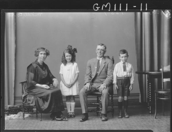 PORTRAIT OF FAMILY, MIDDLETON