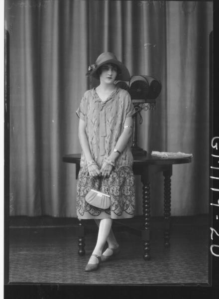 PORTRAIT OF WOMAN, LINTON
