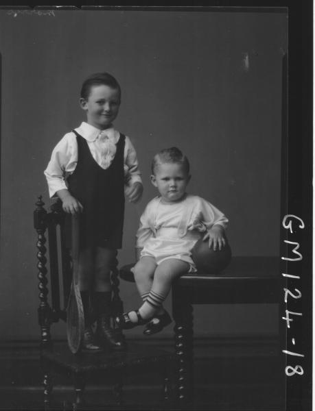 Portrait of two children 'Morris'
