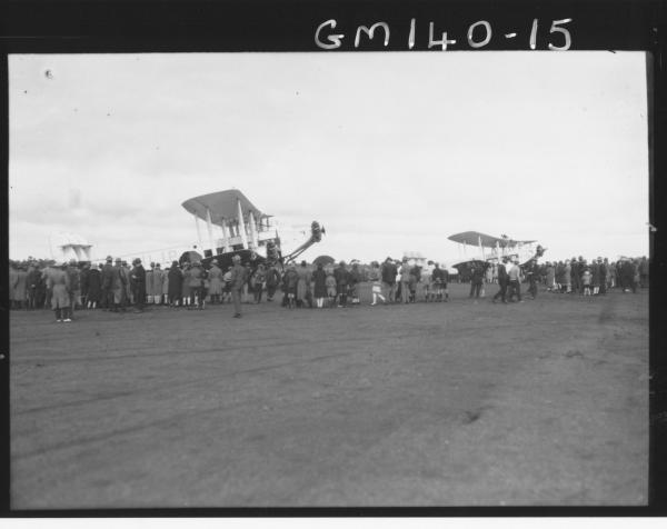 First passenger plane to Perth landing at Kalgoorlie