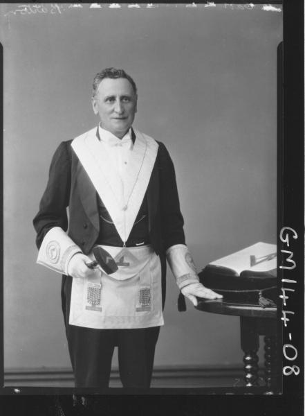 Portrait of man Masonic 'Barton'