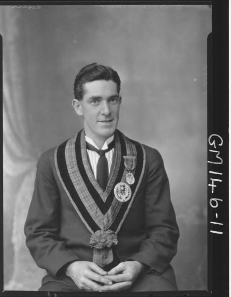 Portrait of man Masonic 'Leslie'