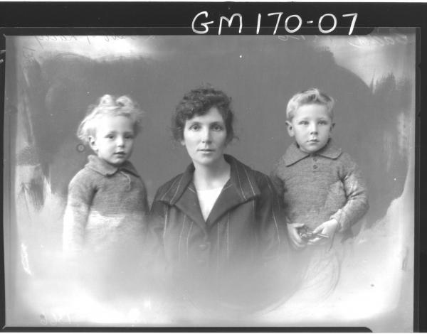Portrait of woman and two children 'Cadd'