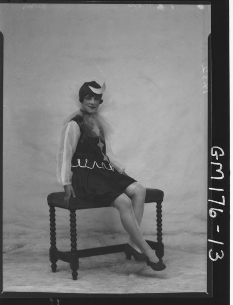 Portrait of two women Fancy dress, 'Gibson'