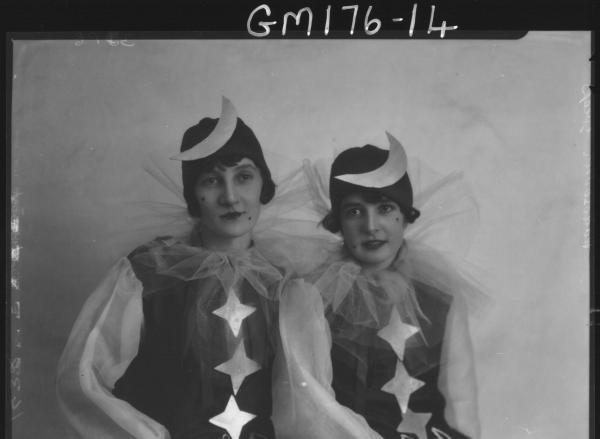 Portrait of two women Fancy dress  'Greep' and 'Rodosovich'