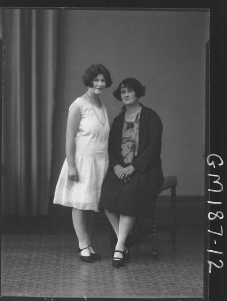 Portrait of two women 'Gibson'