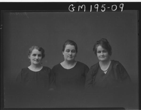 Portrait of three women  'Jerrard'